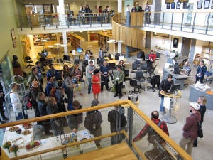 Big crowds at Bergen University Library for the exhibition opening at ELO 2015.